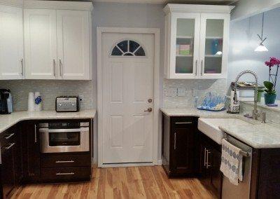Beautiful Kitchen renovation with a beautiful, black splash
